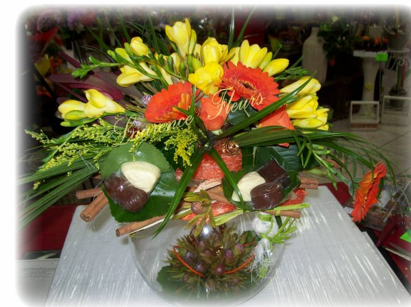 Composition florale offrir verre le pouvoir des for Offrir des fleurs par internet